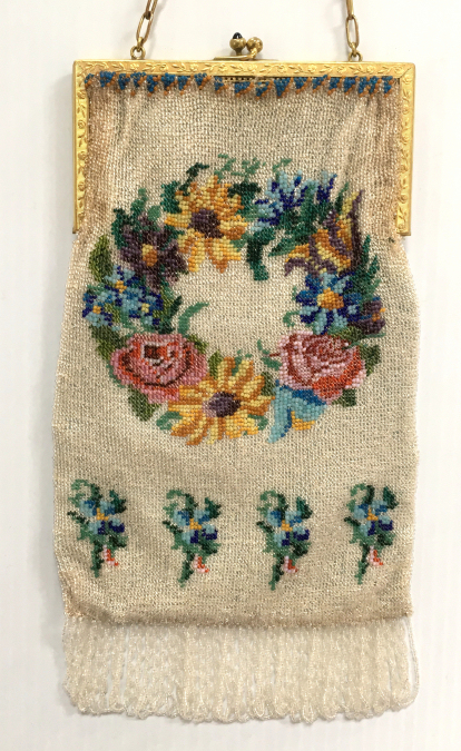 7d99a3ed4c7 Milady's Vanity Vintage and Antique Beaded Bags Under $1,000 Index